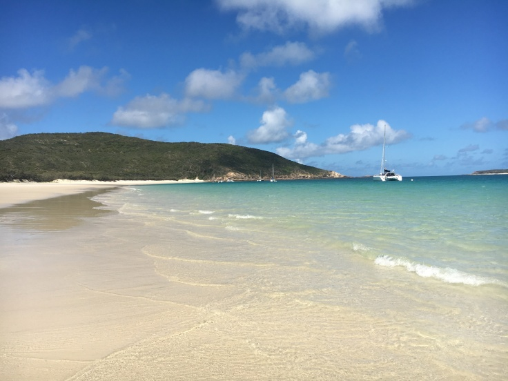 long-beach-great-keppel-island